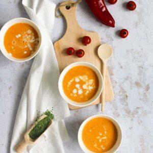 Soep met groente en thaise kruiden.